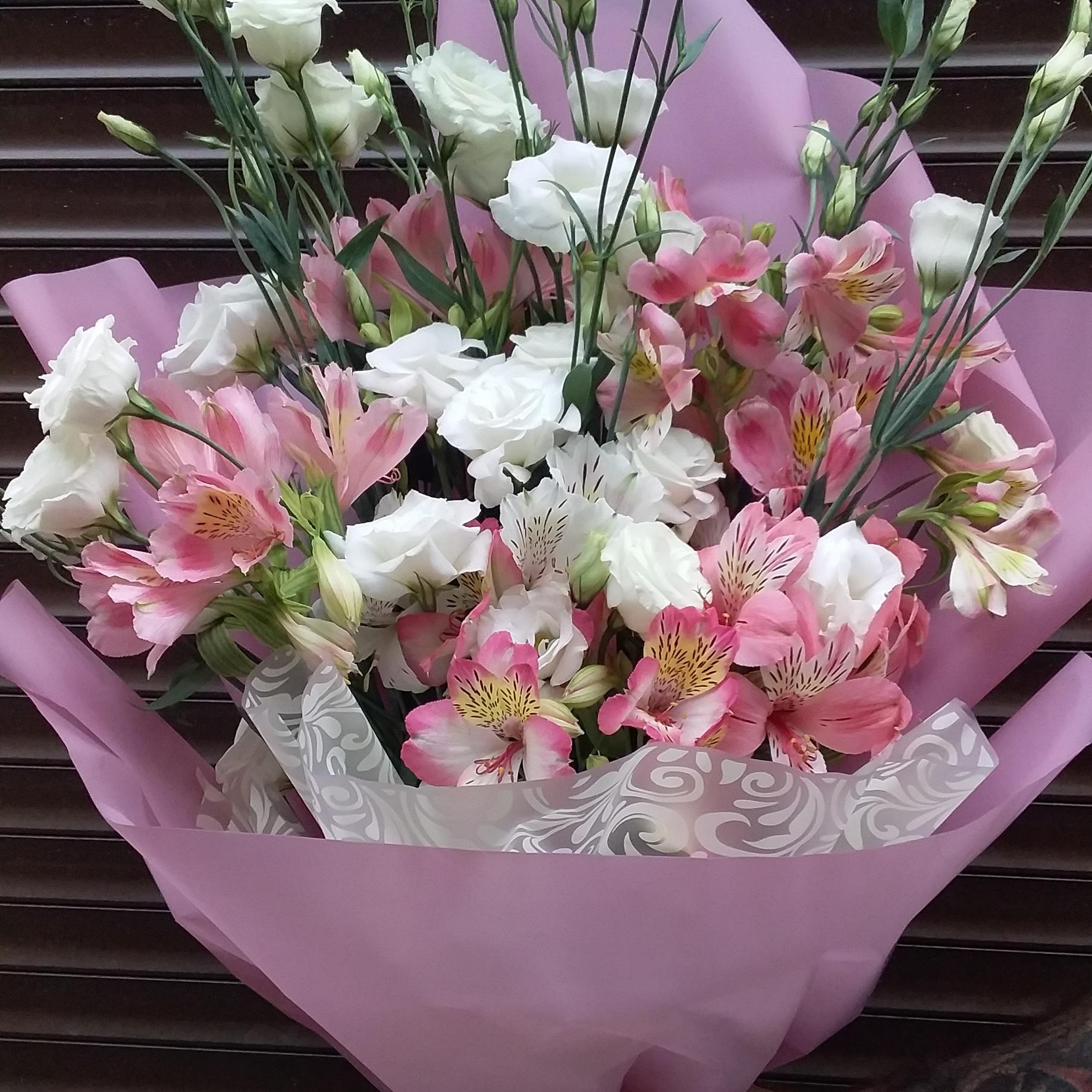 Молочной, заказать букет цветов с доставкой в севастополе